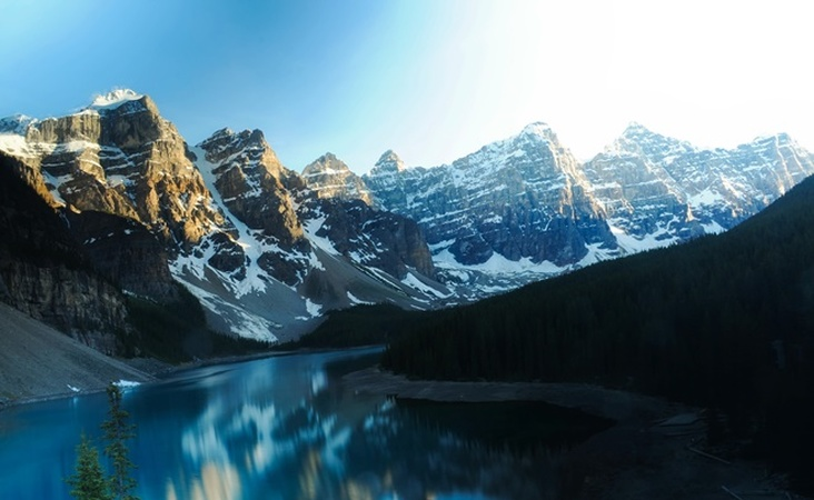 Gebirgssee Moraine in Kanada